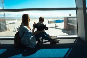 cu-copilul-in-avion