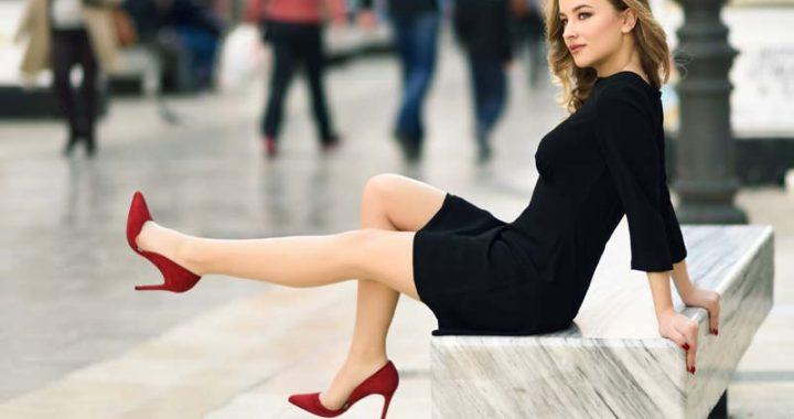 pantofi potriviti cu rochie neagra